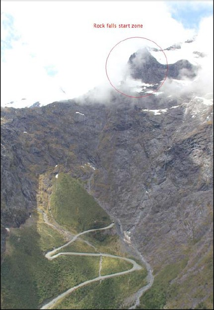Milford Rd封闭施工爆破山顶巨石峡湾旅游受影响_天维新闻频道